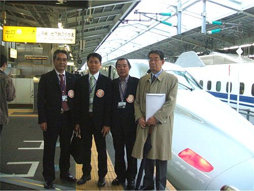 ベトナム総領事館 九州新幹線試乗会に参加