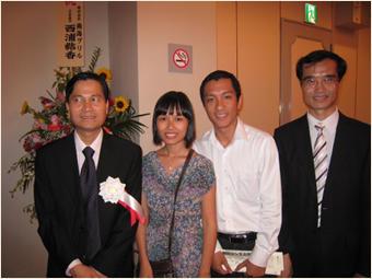 ティーン総領事・タムさん夫妻・ジュン領事