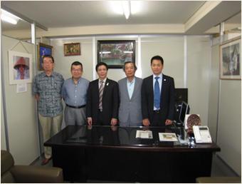 左から織田専務理事、上田副理事長、サオ領事、森委員長、アイン領事